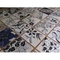 Bordado Madeira em azulejo sortido com saco tipico - Certificado por Luz Henriques